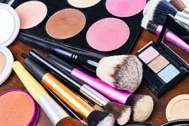 What to invest in when you buy your makeup artist kit.